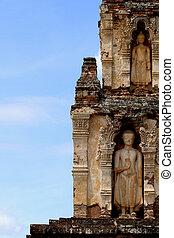 塔, 彫刻