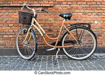 壁, 家, 自転車, 古い, に対して
