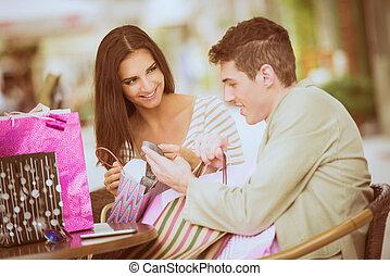 壊れなさい, 恋人, 後で, 買い物