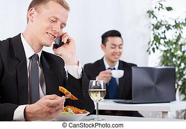 壊れなさい, 昼食, 労働者, 取得, オフィス