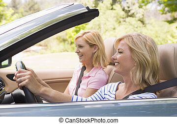 変換可能な 車, 微笑, 2人の女性たち