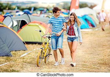 夏, ティーンエージャーの, 祝祭, 恋人, 黄色, 自転車, 音楽