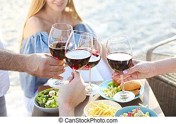 夏, ピクニック, 赤ワイン