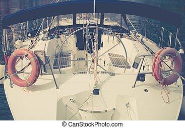 夏, ヨット操縦, 時間