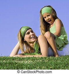 夏, 娘, 遊び, 屋外で, ママ, 幸せ