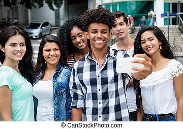 夏, 屋外, グループ, 成人, 取得, 若い, 大きい, 電話, インターナショナル, selfie