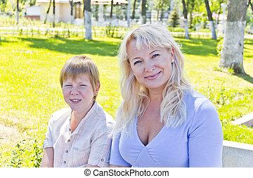 夏, 微笑の 女性, ブロンド, 息子