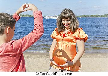 夏, 息子, 母, 妊娠した