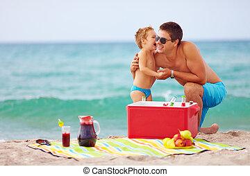夏, 浜のピクニック, 家族, 幸せ