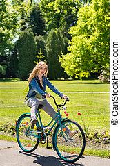 夏, 自転車, 壊れなさい, 乗馬, 女の子, 楽しむ