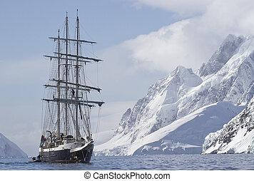 夏, 観光客, 航海, 山の ピーク, 背景, 船, 日