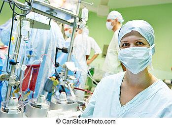 外科 看護婦, オペレーション