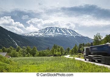 多山, 卡車, 路
