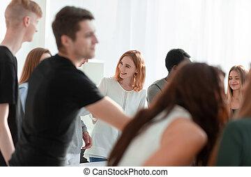 多様, 人々, ラウンド, グループ, テーブル, 地位, のまわり, 若い