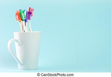 多色刷り, 歯ブラシ