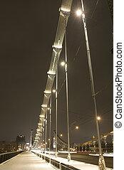 夜晚, 闡明, 橋梁