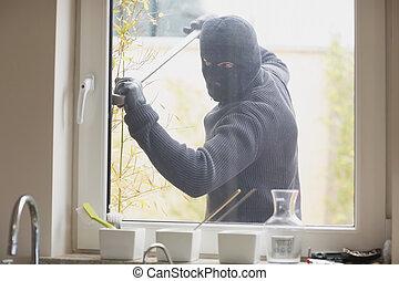 夜盜, 打破, a, 廚房, 窗口