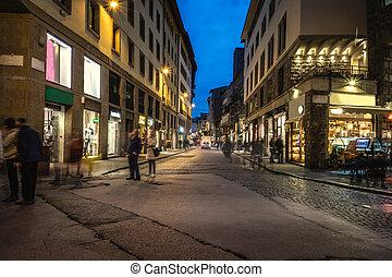 夜, フィレンツェ, ダウンタウンに, 生活