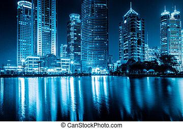 夜, 上海, 光景