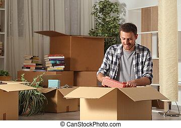 夜, 楽しい家, unboxing, 人, 所有物, 引っ越し