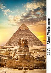 大きい ピラミッド, スフィンクス