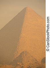 大きい ピラミッド, 日没