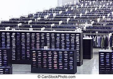大きい, 横列, 棚, 多数, ハンガー, シャツ, 店, 衣類