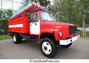 大きい, 赤, 消防車, ∥で∥, パイプ, そして, 点滅灯, 上に, ∥, 屋根, ∥において∥, 夏の日