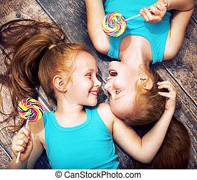 大丈夫です, 肖像画, の, a, twin, 姉妹, 保有物, lollipops