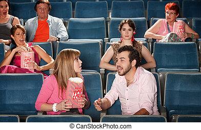 大声で, 恋人, 劇場
