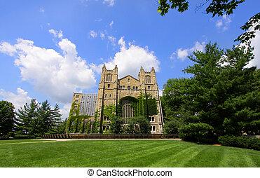 大学, ミシガン州