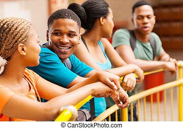 大学, 友人, グループ, 談笑する, アフリカ