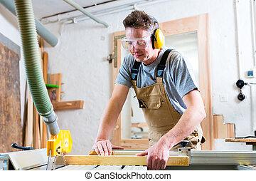 大工, 使うこと, 電気のソー, 中に, 大工仕事