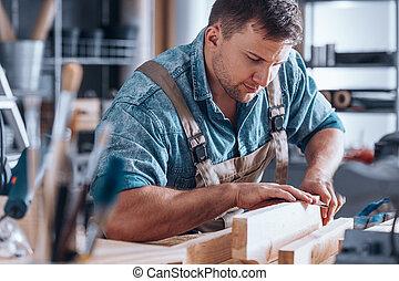大工, 紙やすりで磨くこと, a, 木製の板