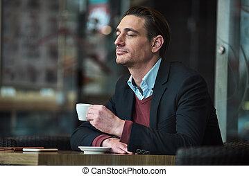 大袈裟な表情をしなさい, コーヒー, 人, 哀愁を秘めた, 味が分かる