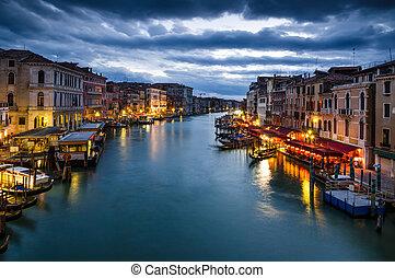 大運河, の, ベニス, によって, 夜, イタリア