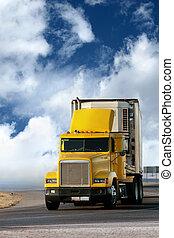 大, 黃色, 拖車, 在道路上