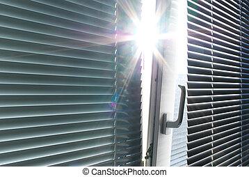 太陽, によって, 窓。