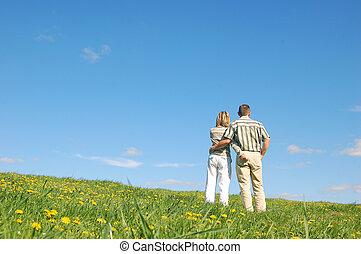 夫婦, 在愛過程中, 上, 草地