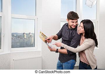 夫婦, 在, 搜尋, the, 房地產, 為, a, 購買