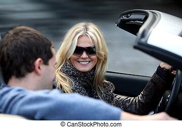 夫婦, 在  汽車