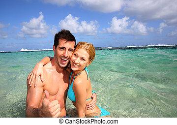 夫婦, 在, a, 加勒比海, 瀕海湖, 顯示, 上的姆指