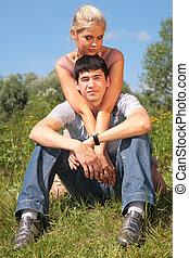 夫婦, 坐, 上, 草