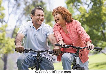 夫婦, 自行車, riding., 成熟