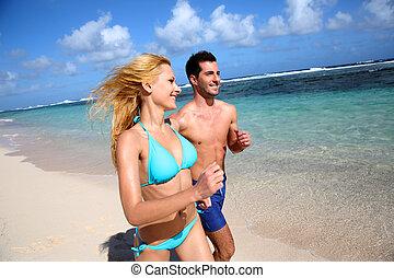 夫婦, 跑, 上, 沙海灘, 在, 加勒比海, 島