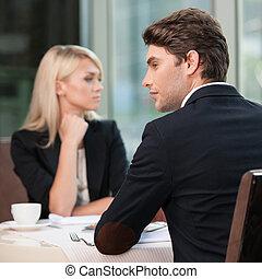 夫婦, communication., 不同, businesspeople, 誤會, sides., 看, 爭論