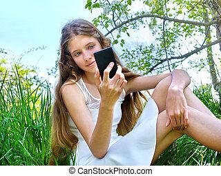 女の子, しなさい, selfie, スナップショット, 開くこと, 木。