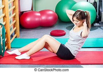 女の子, すること, バリバリと音をたてる, 上に, 体操の マット