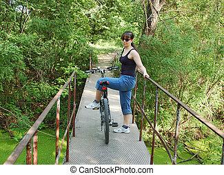 女の子, ∥で∥, 自転車, 上に, 歩道橋