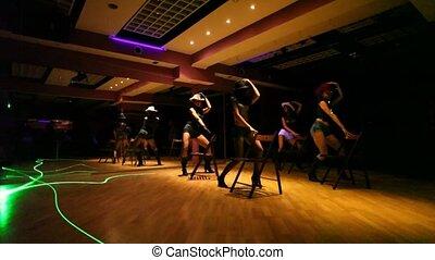 女の子, ダンス, 中に, カウボーイ帽子